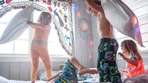 Barn leker og har det gøy