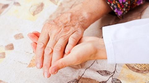 To hender som holdes.